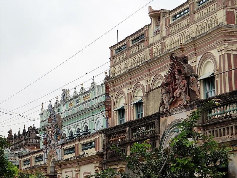 Plusieurs palais en enfilade