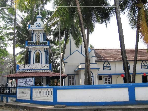 Cochin église bleue et blanche