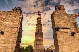 Inde New Delhi Tour du Qutub Minar en pierre
