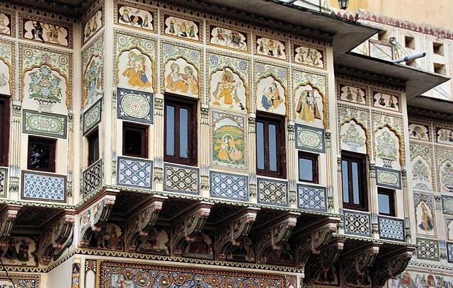 Inde maison peinte de personnages